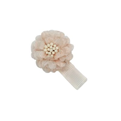 Ein wunderschönen Silk Blüte. So sommerlich wie noch nie. Schlicht in Weiß oder Seidenshow pink gehalten passt er zu jedem Outfit und jedem Anlass.